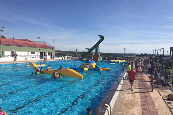 Nuevo horario de la piscina municipal por cierre de temporada for Horario piscina alaquas